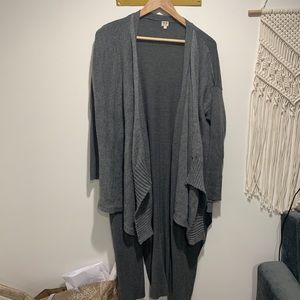 URBAN OUTFITTERS DOUBLE LAYERED CARDIGAN